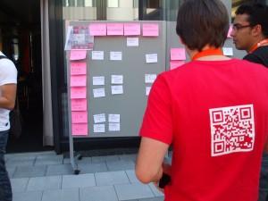 Der Sessionplan und Teilnehmer mit  QR Code Shirt